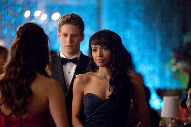 The Vampire Diaries Spoilers: What's Up With Bonnie and Silas?