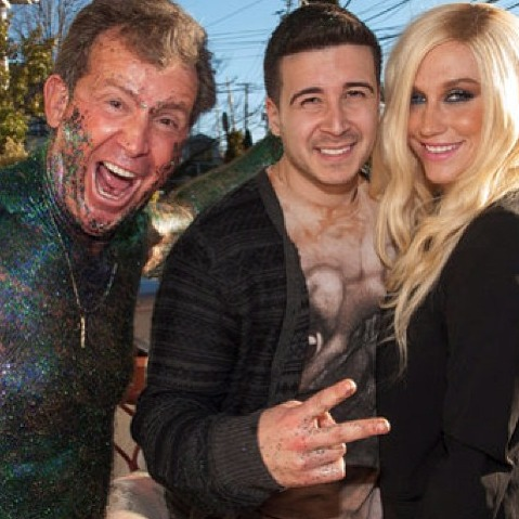 "Vinny's Uncle Nino Gets ""Glitter Bombed"" With Ke$ha on The Show With Vinny! (VIDEO)"
