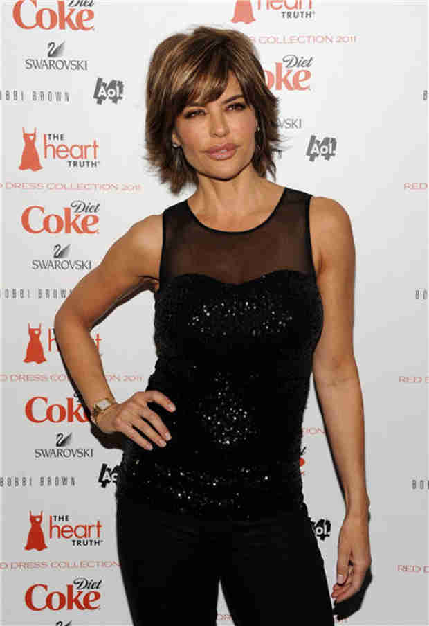 """Lisa Rinna on The Real Housewives Beverly Hills: """"I'd Kill Them All!"""" (VIDEO)"""