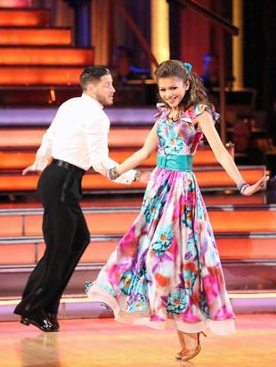 Zendaya Dishes on Val's Dancing With the Stars Injury (VIDEO)