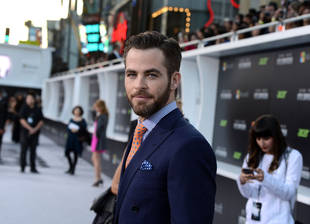 Chris Pine Spotted Holding Hands With Amanda Frances: New Girlfriend?