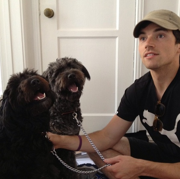 Pretty Little Liars Star Ian Harding Poses With His Pups in Adorable New Pic (PHOTO)