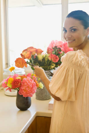 A Handy-Dandy Guide to Flower Arrangement: DIY Tips From a Pro