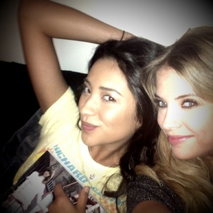 """Pretty Little Liars Stars Ashley Benson and Shay Mitchell Sing """"The Boy Is Mine"""" (VIDEO)"""