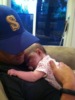 Jason Mesnick Snuggles With His Daughter, Riley Anne (PHOTO)