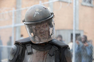 "The Walking Dead Season 4 Spoilers: Prepare For ""Craziest"" Walker Kill Yet"
