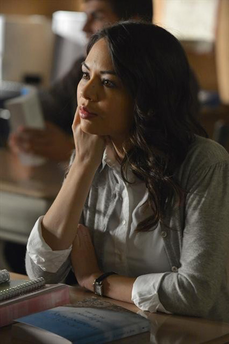 Pretty Little Liars Spoilers: What's in the Trunk? Janel Parrish Says…
