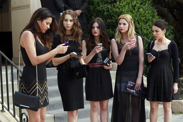 "Pretty Little Liars Season 4 Spoilers: Mona Is a Liar Now — ""They Need Each Other"""