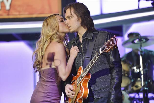 """Nashville Music: Avery Sings """"The Morning of the Rain"""" in Episode 19"""