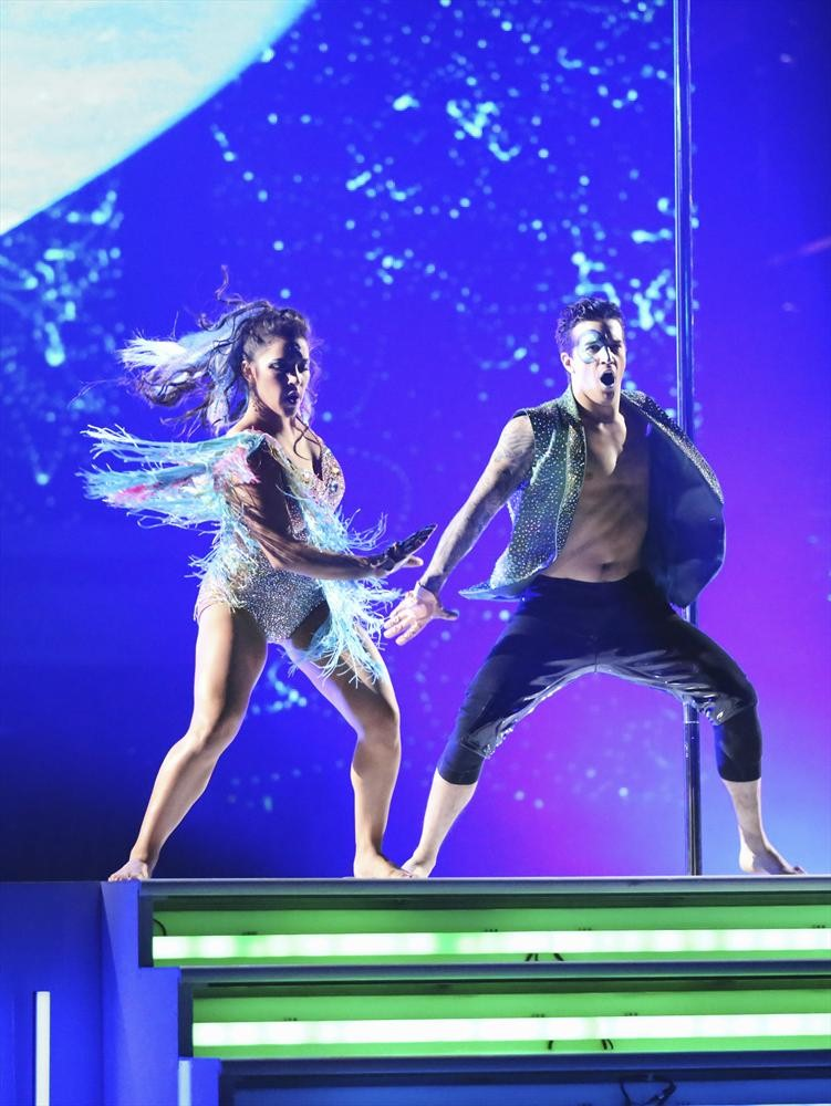 Aly Raisman and Mark Ballas's Freestyle on Dancing With the Stars 2013 Finals (VIDEO)