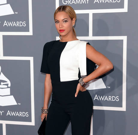 "Beyonce Slams Pregnancy Rumors: I ""Laugh at These Low-Life People"""