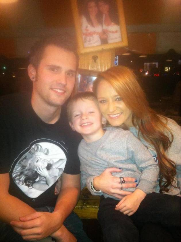 "Ryan Edwards Asks Maci Bookout to ""Give It To Him"" in Flirty Tweet!"