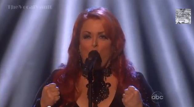 """Wynonna Judd Sings """"I Want to Know What Love Is"""" on Dancing With the Stars Finale (VIDEO)"""