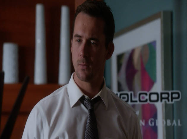 Revenge Season 2 Sneak Peek: Aiden Convinces Nolan to Betray Emily! (VIDEO)