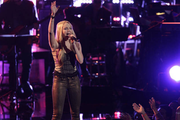 "Danielle Bradbery Sings ""Maybe It Was Memphis"" on The Voice 2013 Live Shows, May 7 (VIDEO)"