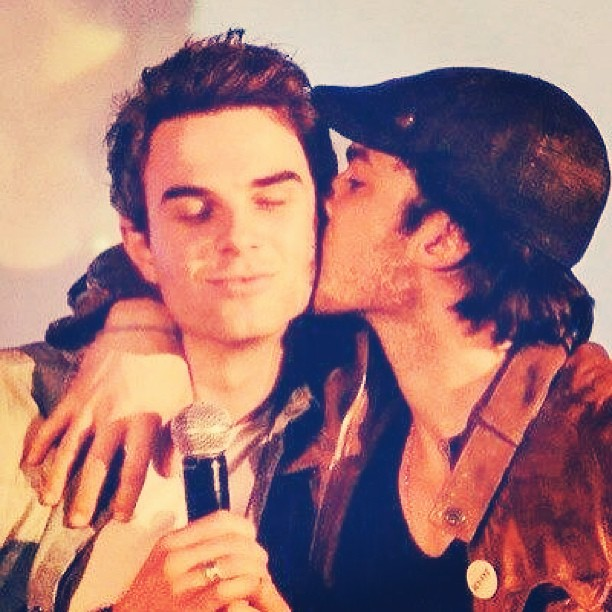 Ian Somerhalder Kisses Nathaniel Buzolic: Vampire Diaries Cute Pic