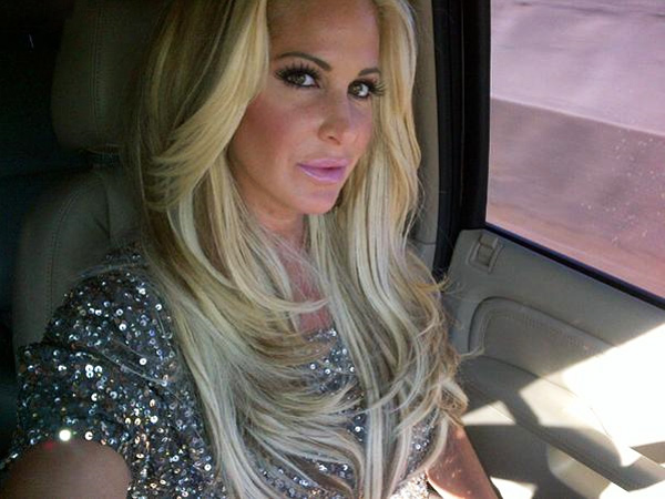 """Kim Zolciak Slams Her Parents: """"I Hope it Was Worth it to Sell Your Soul to the Devil"""""""