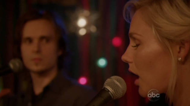"""Nashville Season 1 Finale: Avery and Scarlett Sing """"The Moon Is High"""""""