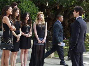 Pretty Little Liars Season 4 Spoilers: Expect Pilot References