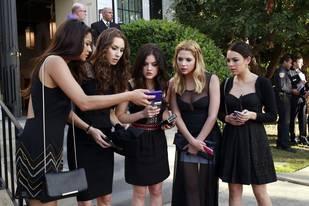 """Pretty Little Liars Review: Season 4 Premiere —  """"'A' Is for A-l-i-v-e"""""""