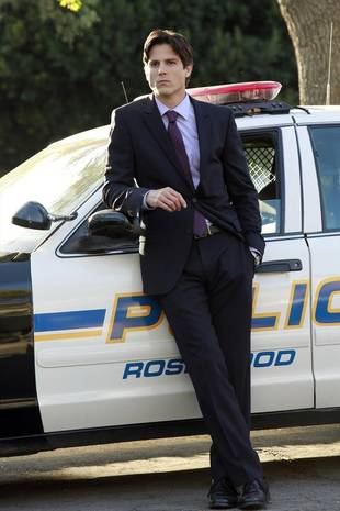 Pretty Little Liars Season 4 Spoilers: Can We Trust the New Cops?