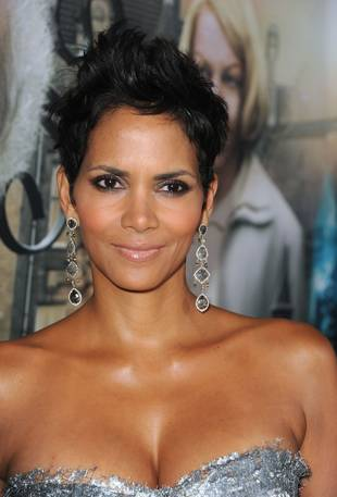 Halle Berry Says Daughter Is Scared Paparazzi Will Kill Them