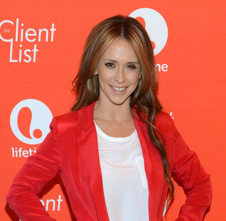 Pregnant Jennifer Love Hewitt Baby Due Date: When Will The Client List Star Give Birth?