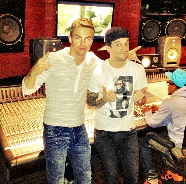 Derek Hough on Mark Ballas's Music: See What He Thinks of It (PHOTO)