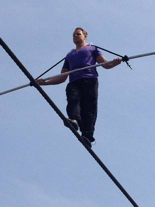 Tightrope Walker Nik Wallenda Crosses Grand Canyon With No Net or Harness