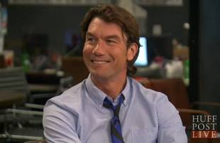 Jerry O'Connell Jokes That Raising His Twin Girls Is 'a Living Hell'