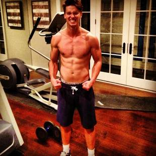 Patrick Schwarzenegger Tweets Pic of His Six-Pack Abs: He's Just Like Dad! (PHOTO)