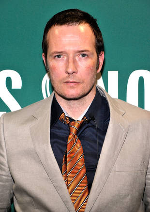 Rocker Scott Weiland Marries in Los Angeles