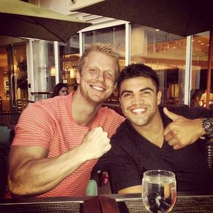 Sean Lowe Reunites With Dancing With the Stars Castmates Aly Raisman and Victor Ortiz! (PHOTOS)