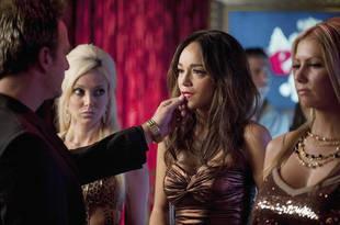 What Happened to Ashley Davenport in Revenge Season 2?