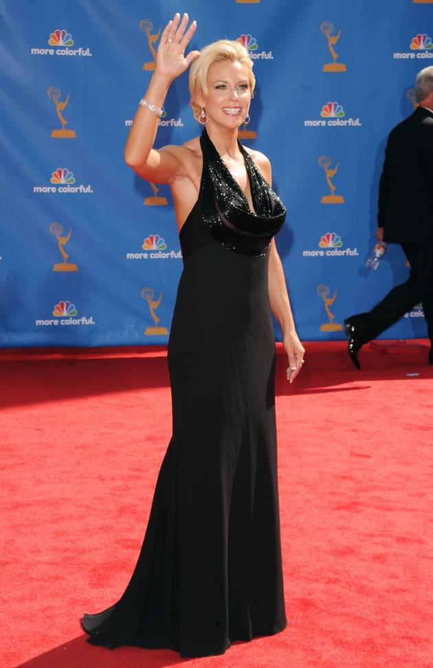 Kate Gosselin Seems to Be Making Racist Gesture in Twitter Pic (PHOTO)