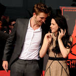 Kristen Stewart and Rob Pattinson Spotted Holding Hands: Report