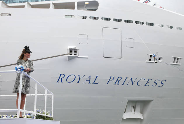 Pregnant Kate Middleton Launches Cruise Ship Before Maternity Leave (PHOTO)