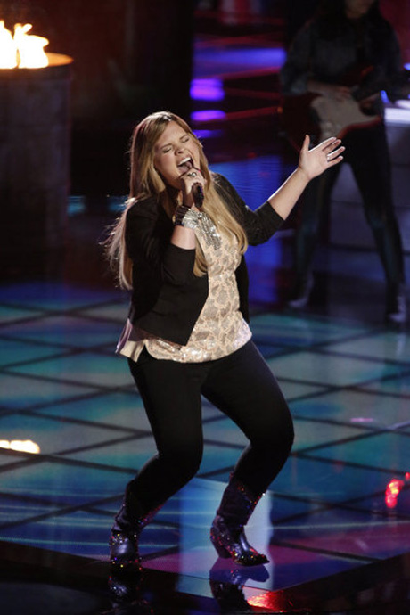 """Holly Tucker Sings """"When God Fearin' Women Get the Blues"""" on The Voice 2013 Live Shows, June 3 (VIDEO)"""