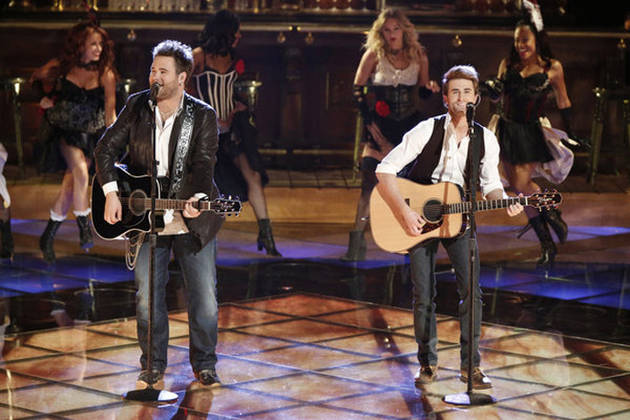 """The Swon Brothers Sing """"Wagon Wheel"""" on The Voice 2013 Live Shows, June 3 (VIDEO)"""