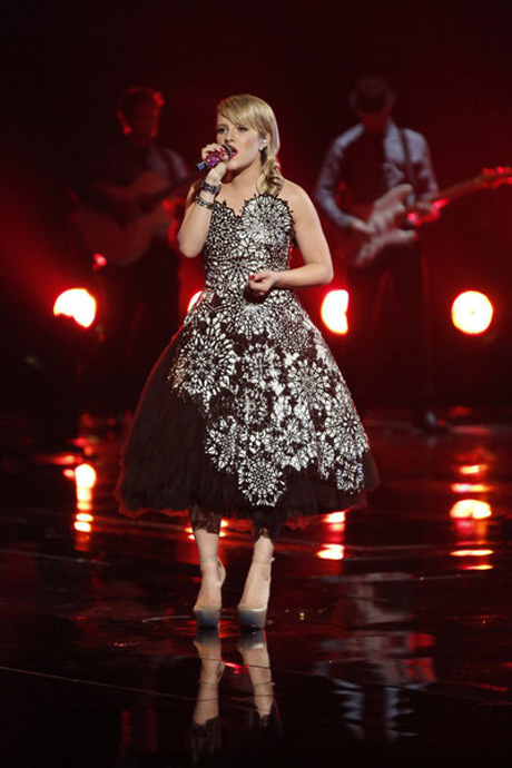 """Amber Carrington Sings """"Crazy"""" on The Voice 2013 Live Shows, June 3 (VIDEO)"""