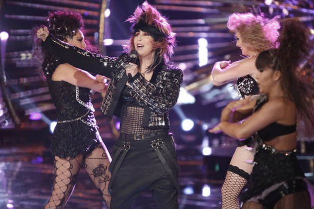 """Cher Sings """"Woman's World"""" on The Voice 2013 Finale (VIDEO)"""