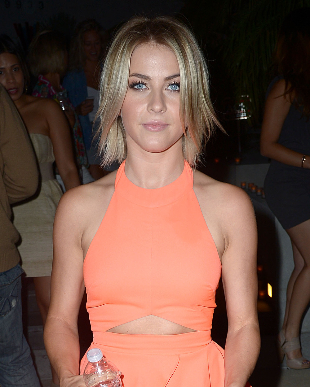 Julianne Hough Cozies Up to Vampire Diaries Star Steven McQueen (PHOTO)