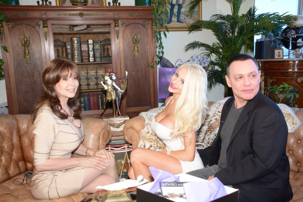 """Courtney Stodden Releasing """"Sex Tape"""" With Husband Doug Hutchinson (PHOTOS)"""