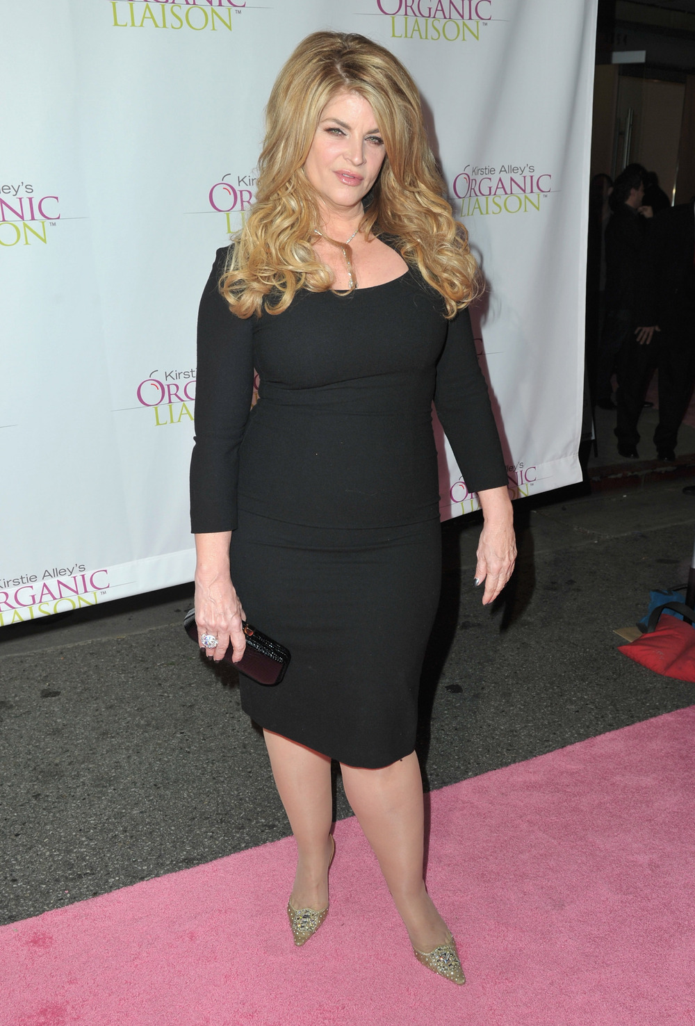 Kirstie Alley Applauds Kanye, Tells Other Stars to Beat Up Paparazzi