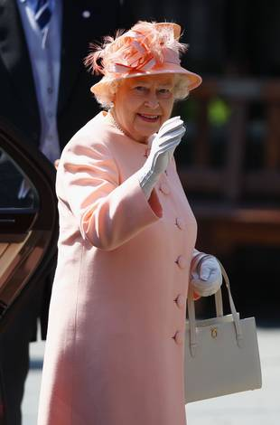 Queen Elizabeth Wants Pregnant Kate Middleton to Deliver Already!