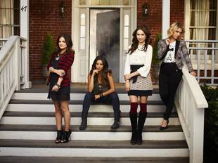 "Pretty Little Liars Spoilers: Season 4 Summer Finale ""Redefines Epic"""