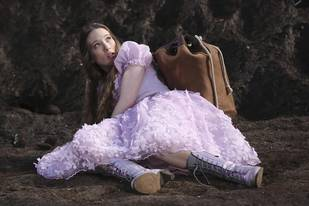 """Once Upon a Time in Wonderland Spoiler: A """"Feisty"""" New Character!"""