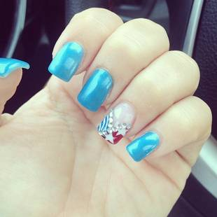 Deena Nicole Gets Patriotic With Festive July 4th Manicure! (PHOTO)