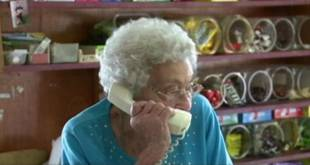 96-Year-Old Woman Stops Would-Be Robbery With Tootsie Rolls (VIDEO)