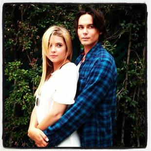 Pretty Little Liars Season 4 Winter Premiere Spoilers: An Emotional Haleb Scene
